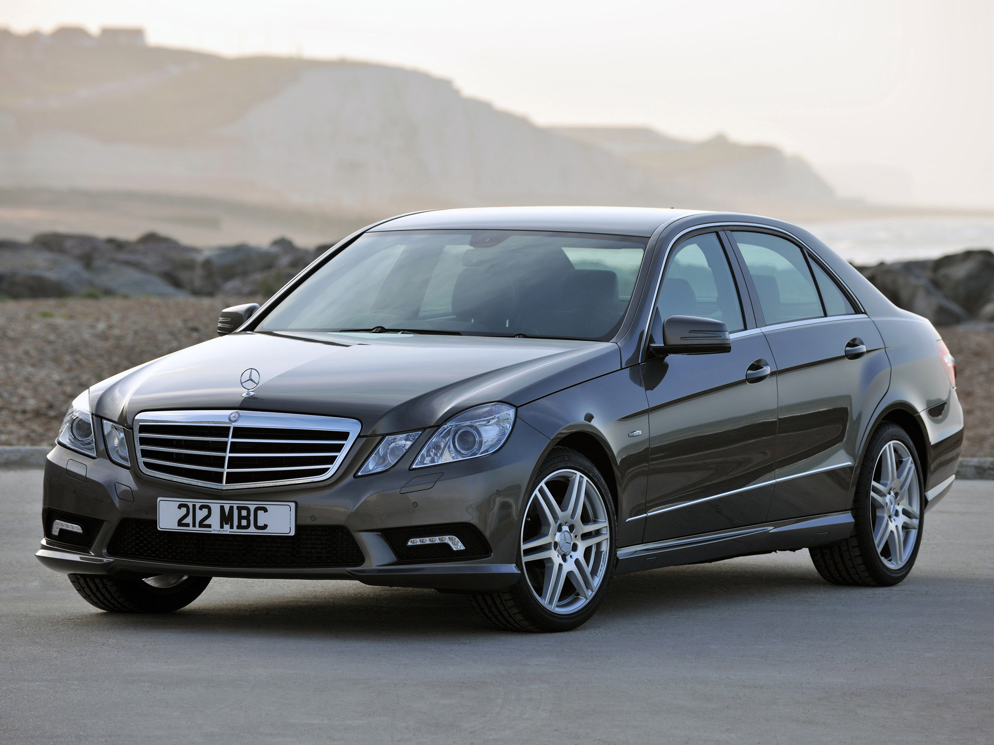 Mercedes-benz e220cdi photo - 2
