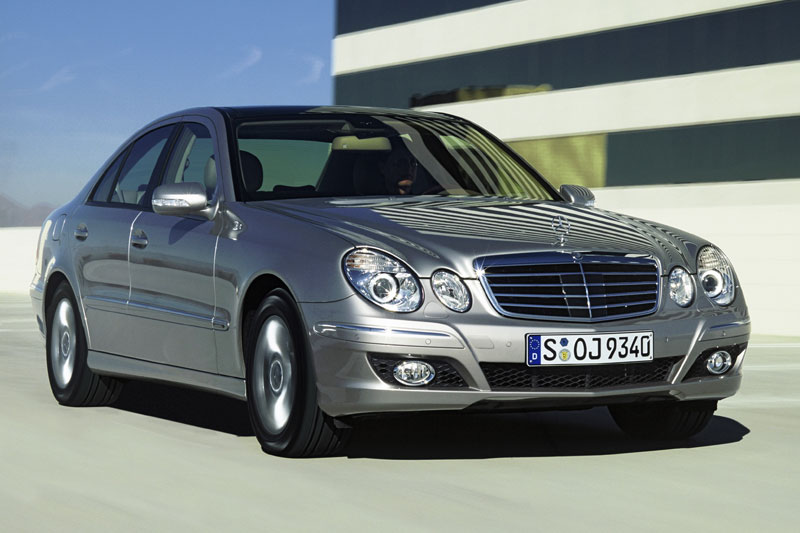 Mercedes-benz e220cdi photo - 4