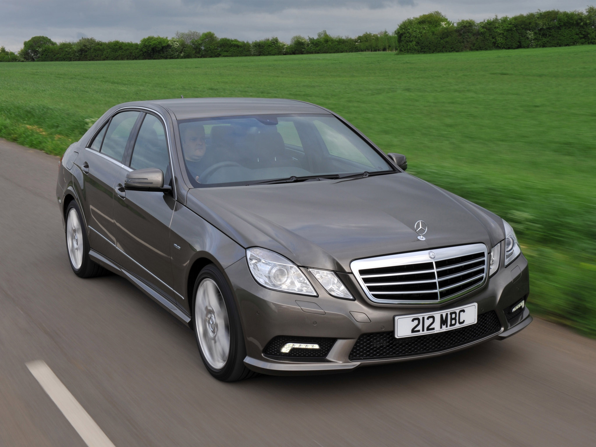 Mercedes-benz e220cdi photo - 5