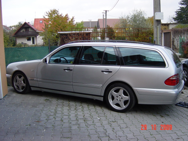 Mercedes-benz e290 photo - 1