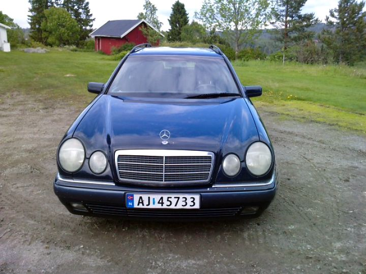 Mercedes-benz e290 photo - 10