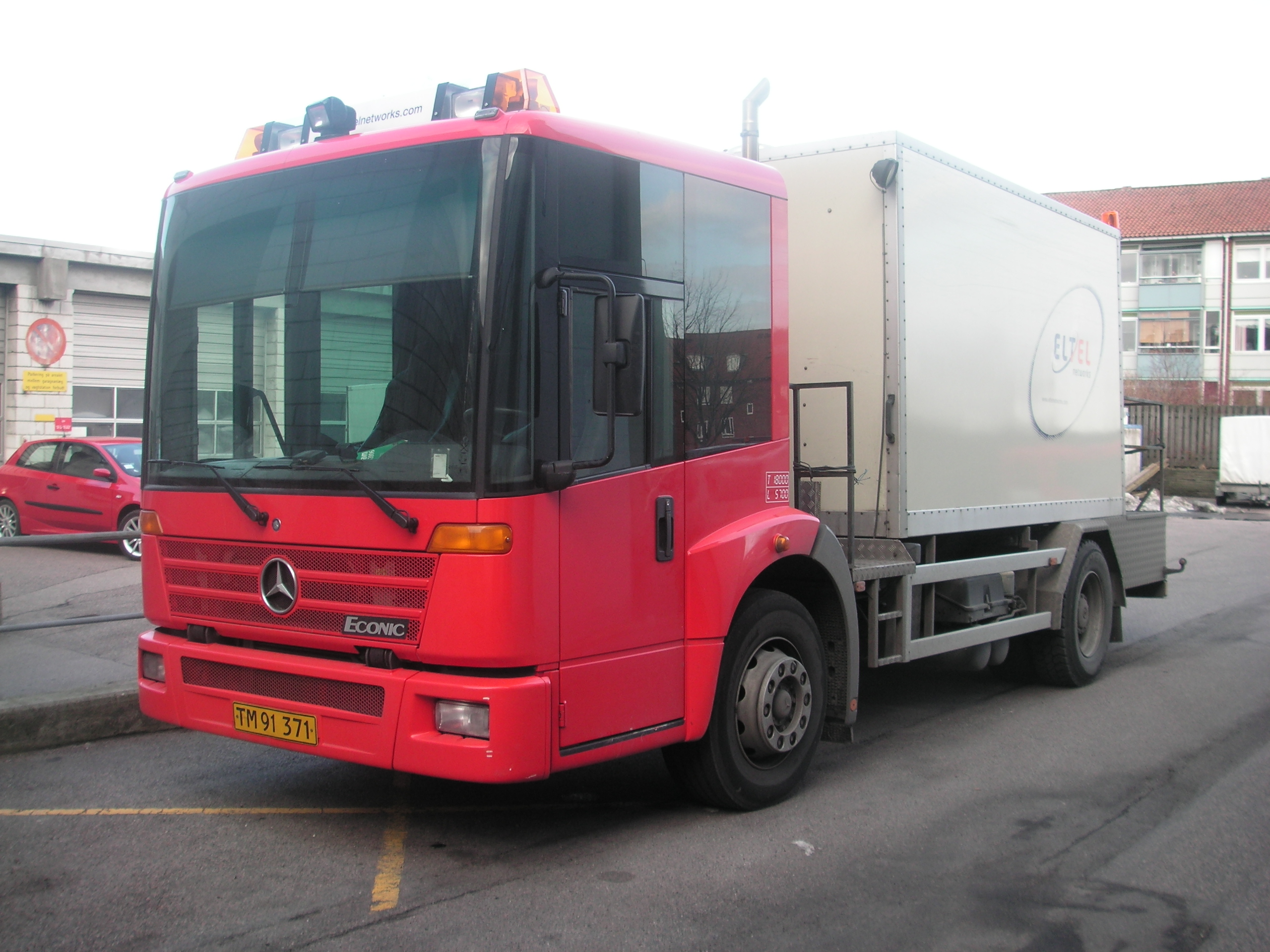 Mercedes-benz econic photo - 4