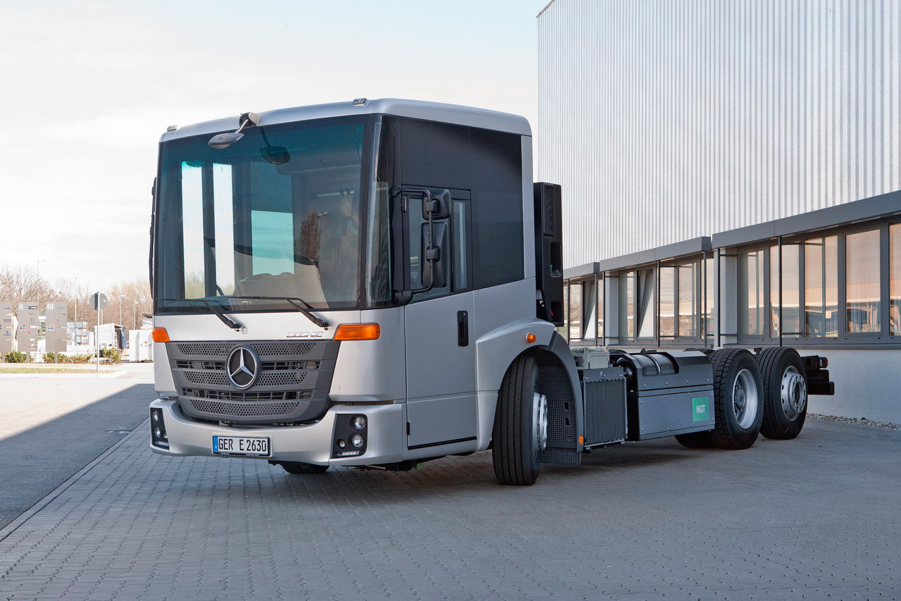 Mercedes-benz econic photo - 8