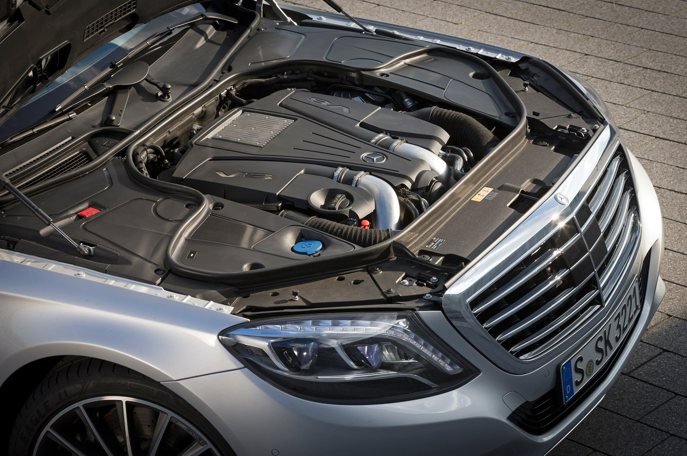 Mercedes-benz engine photo - 9