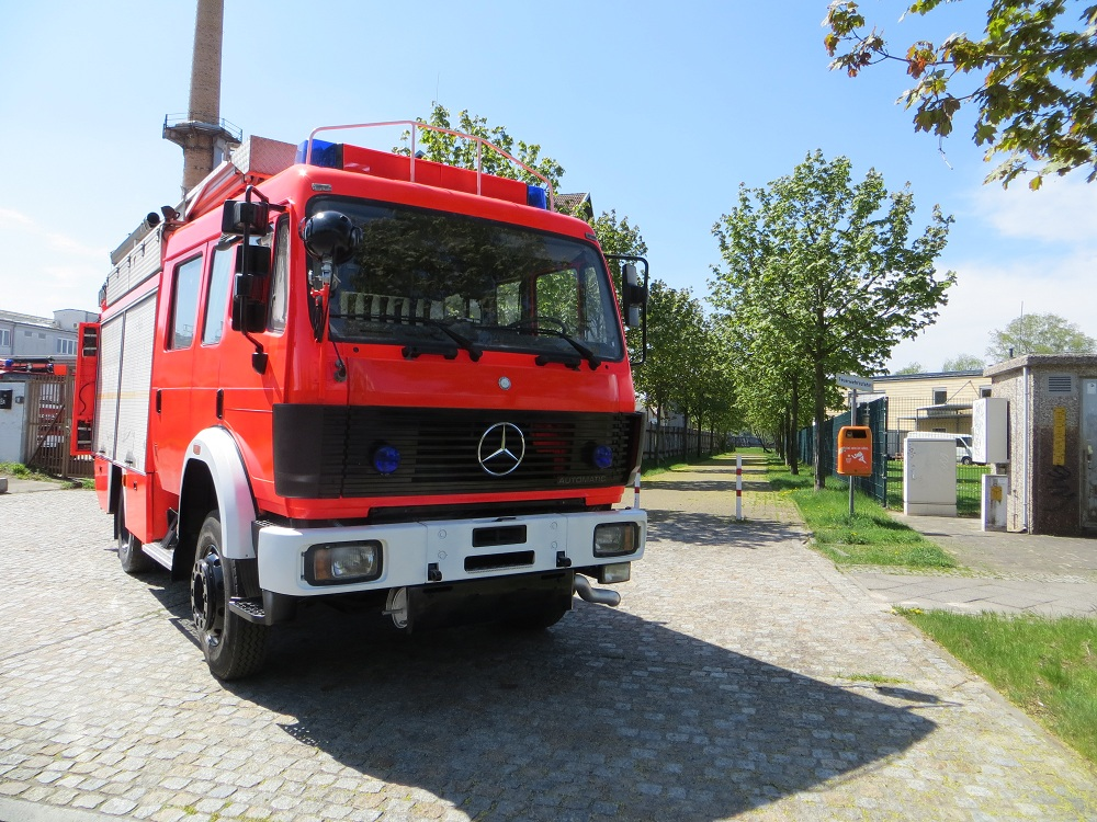 Mercedes-benz lf photo - 9