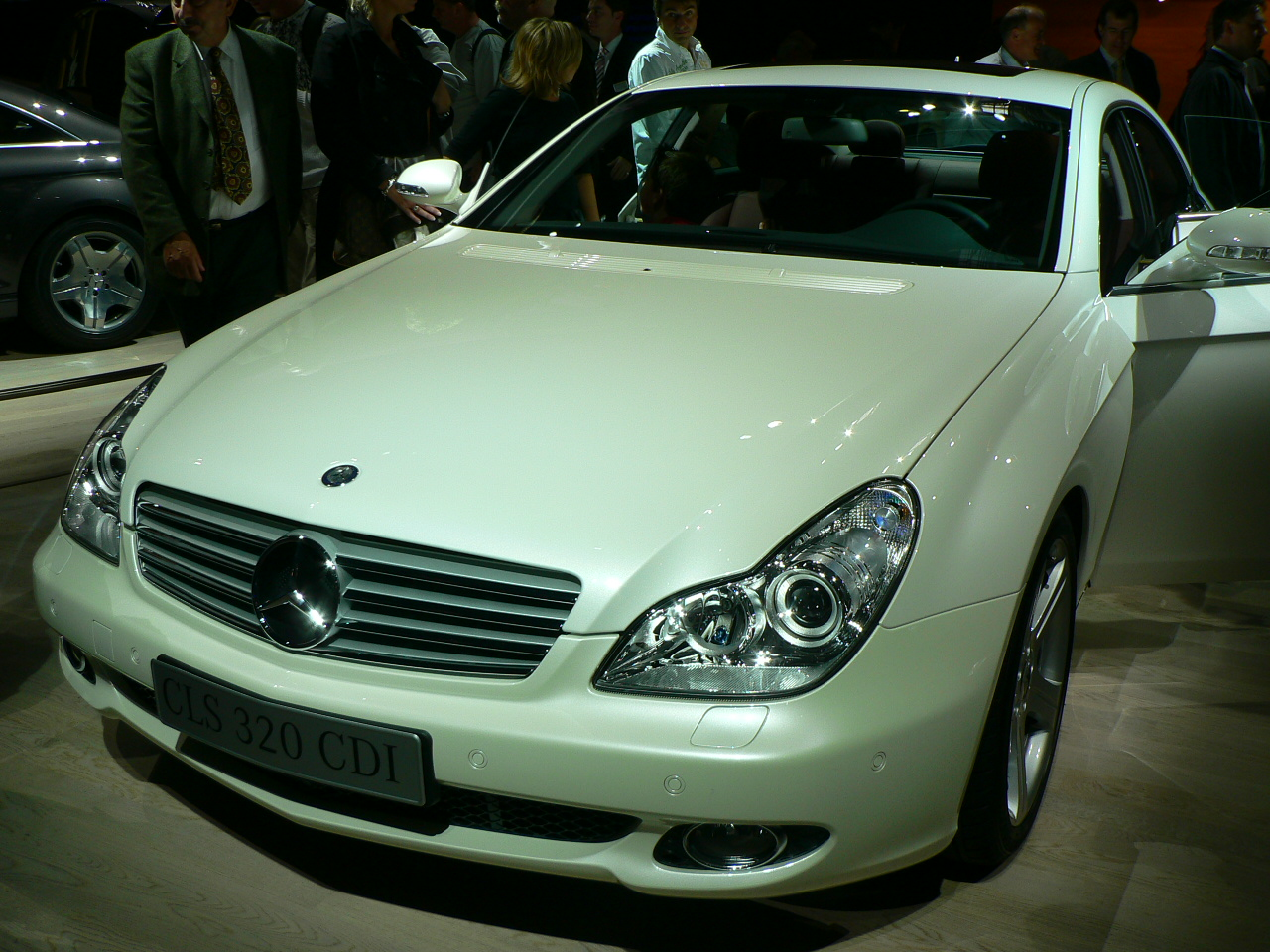 Mercedes-benz m320 photo - 5