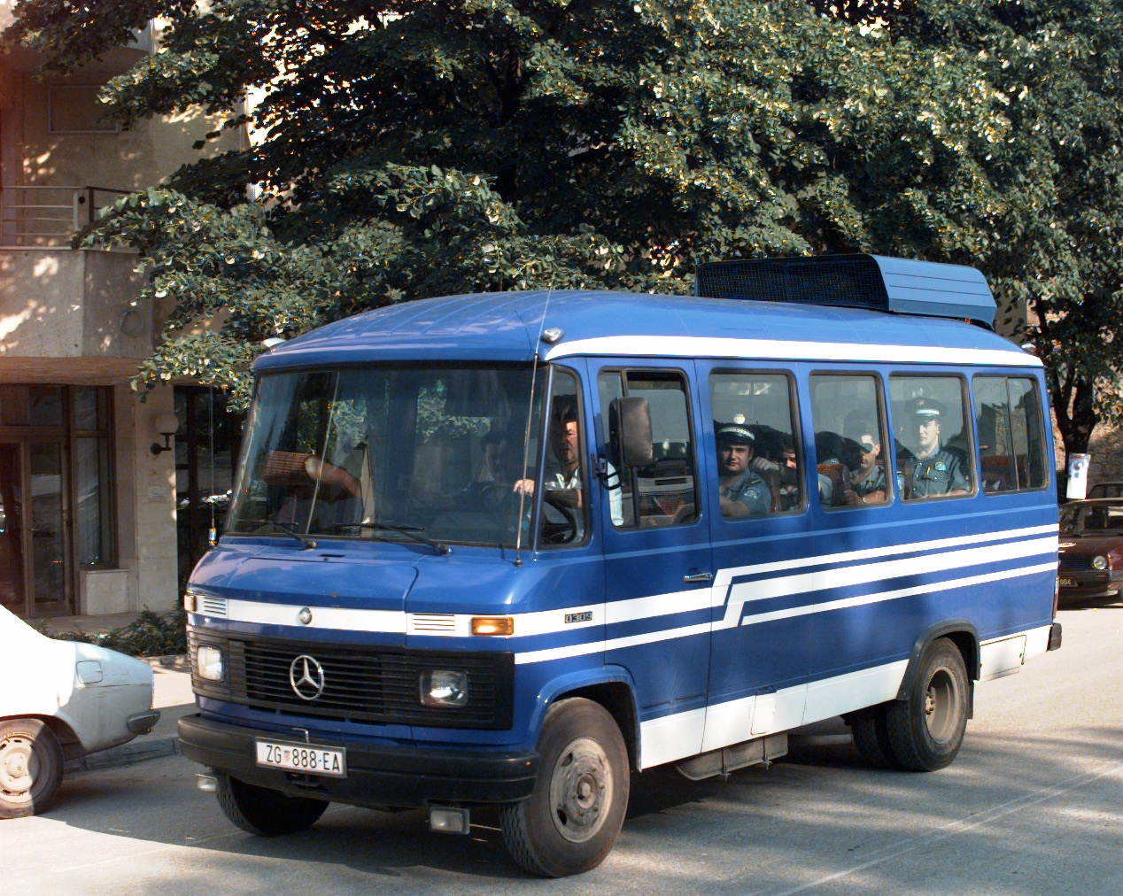 Mercedes-benz o309 photo - 8