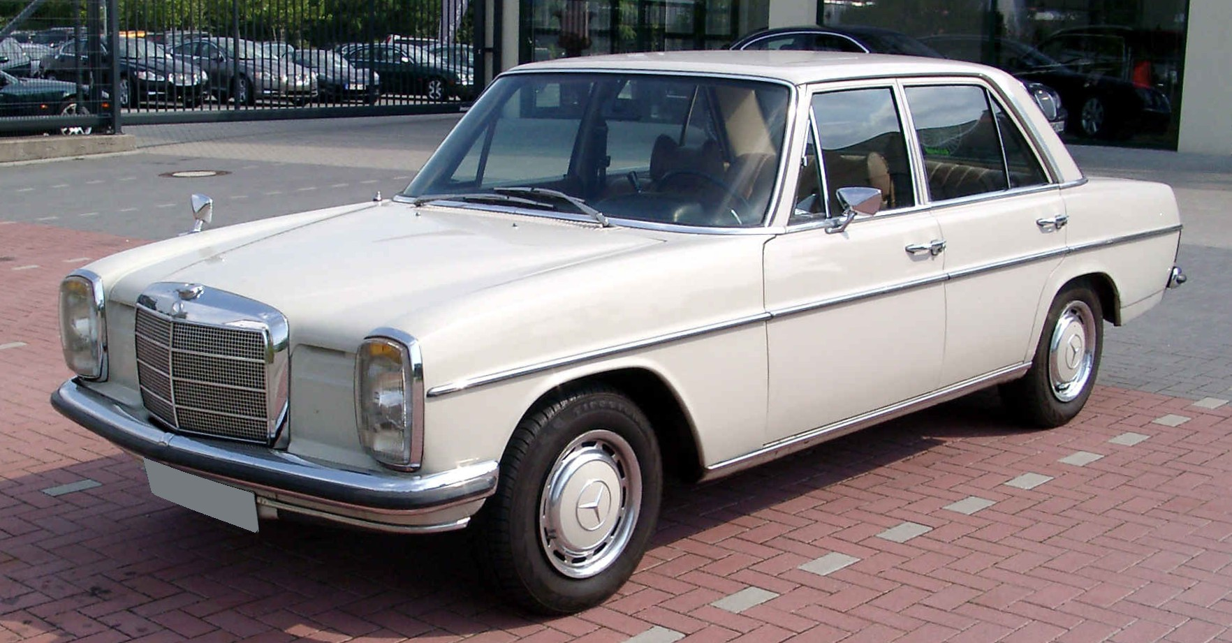 Mercedes-benz w115 photo - 4
