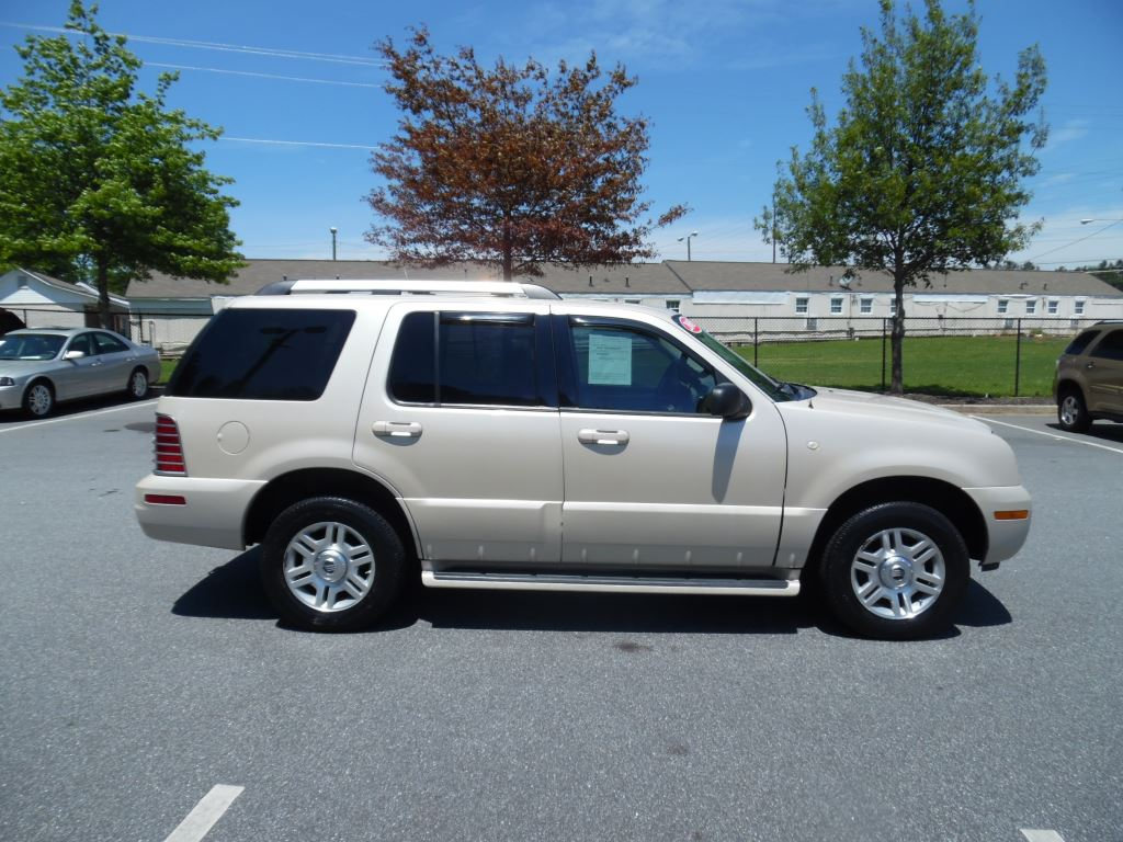 Mercury mountaineer photo - 7