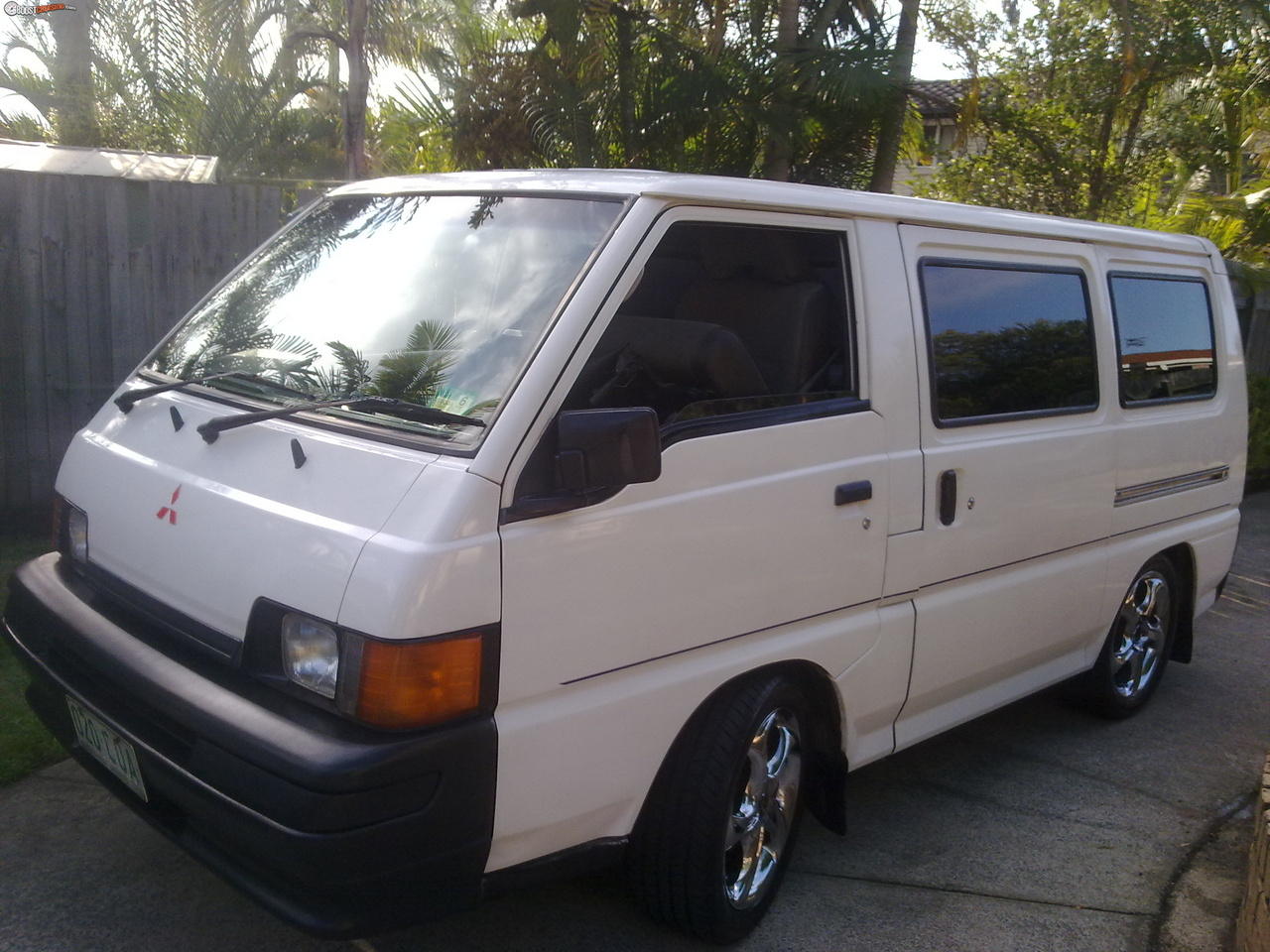 Mitsubishi express photo - 2