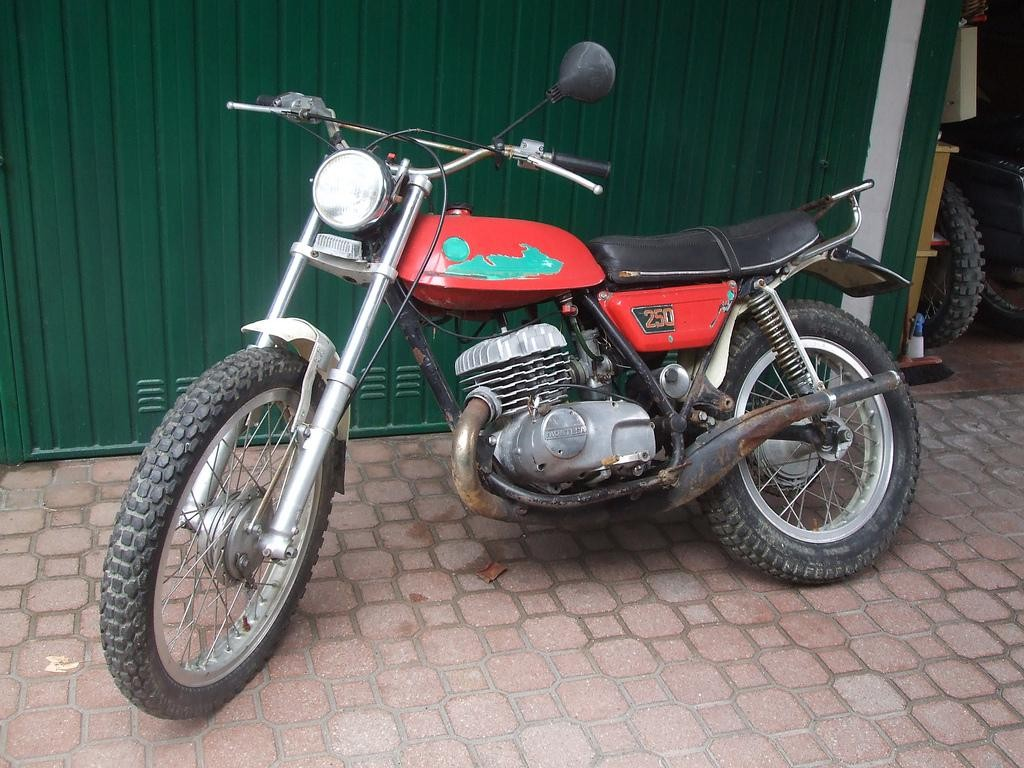 Montesa scorpion photo - 8