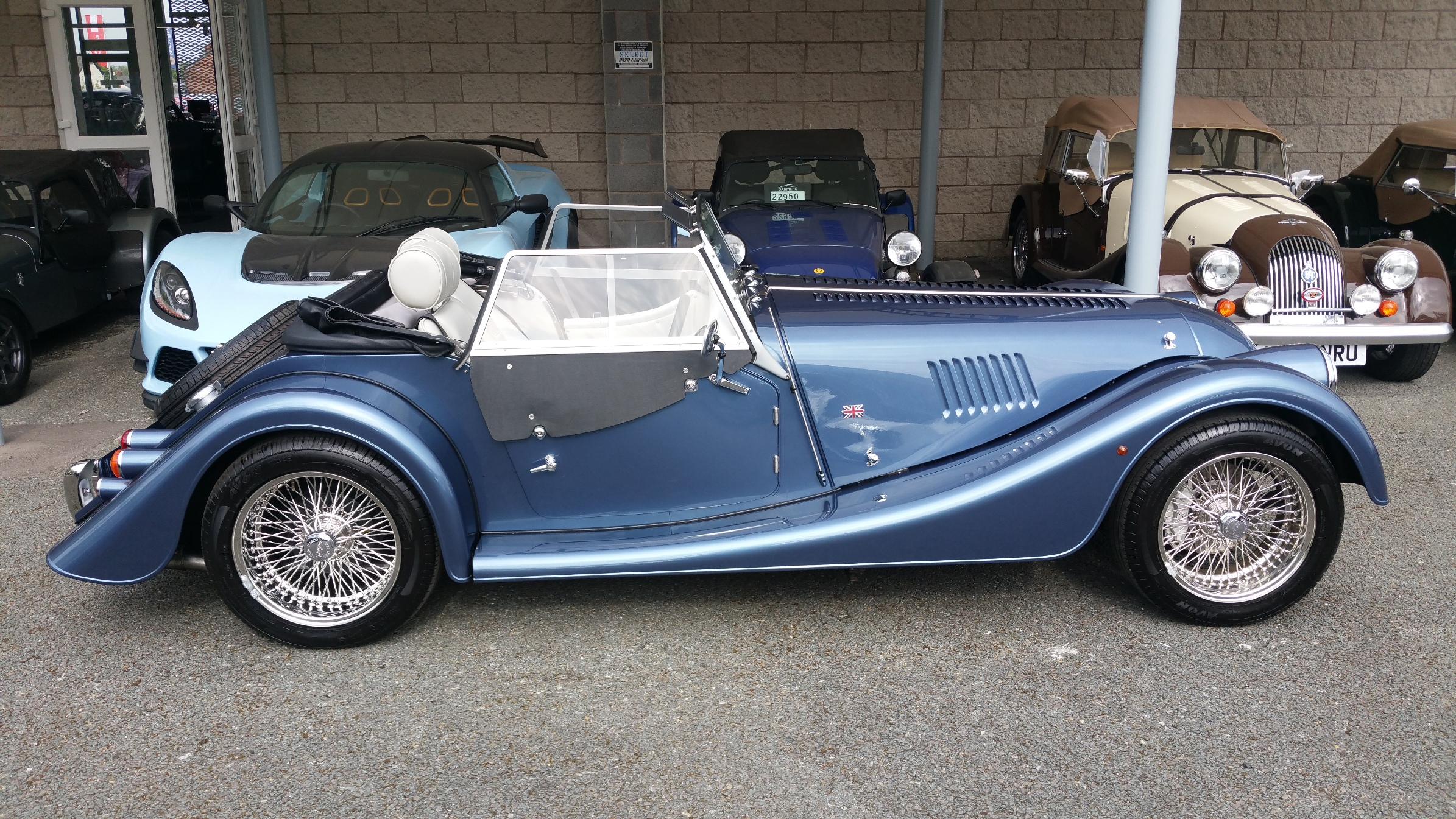 Morgan roadster photo - 5