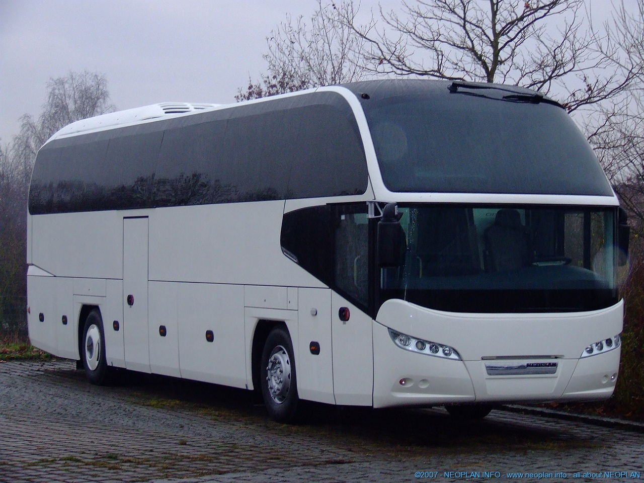Neoplan cityliner photo - 1