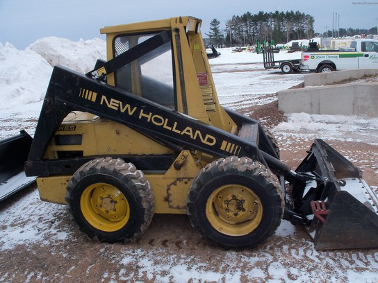 New holland l555 photo - 2