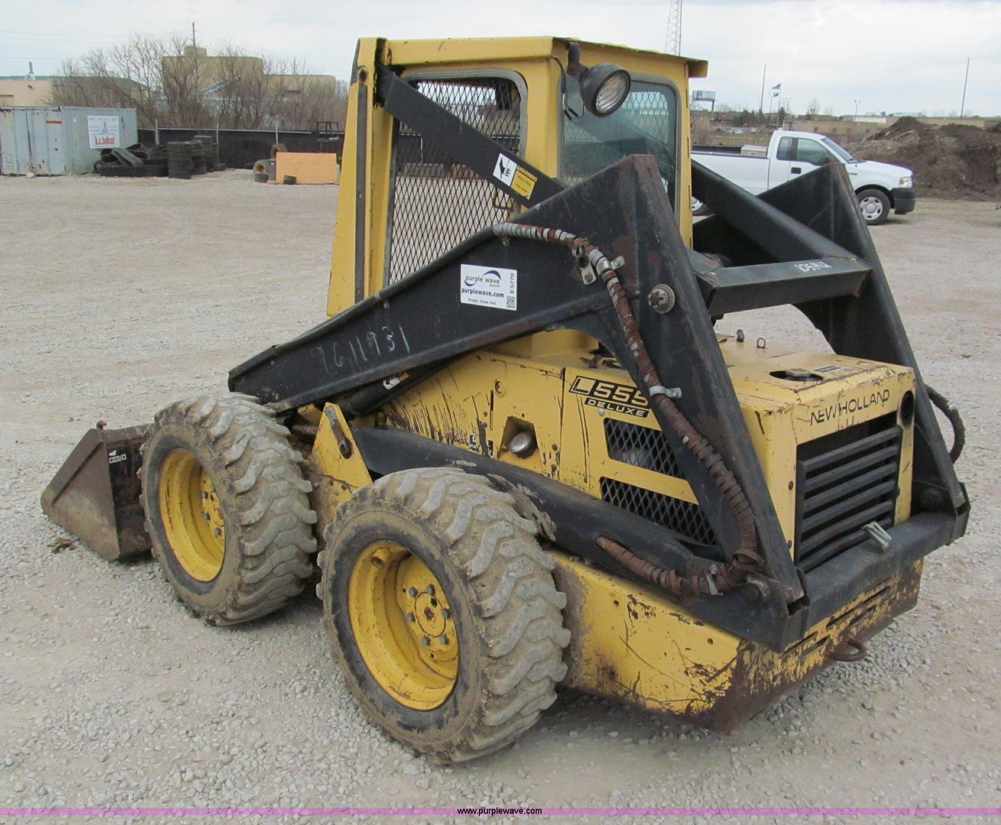 New holland l555 photo - 9