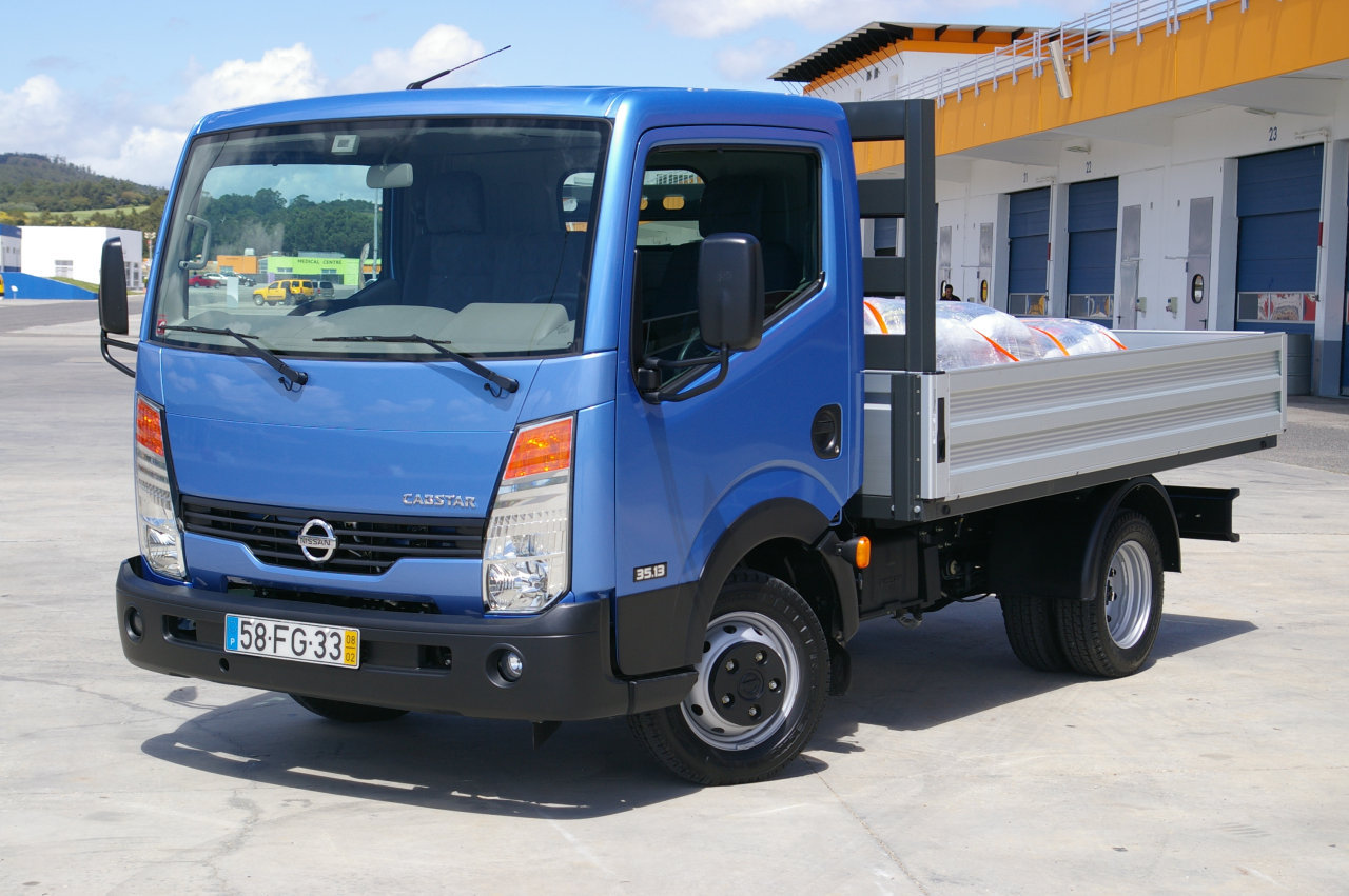 Nissan cabster photo - 10