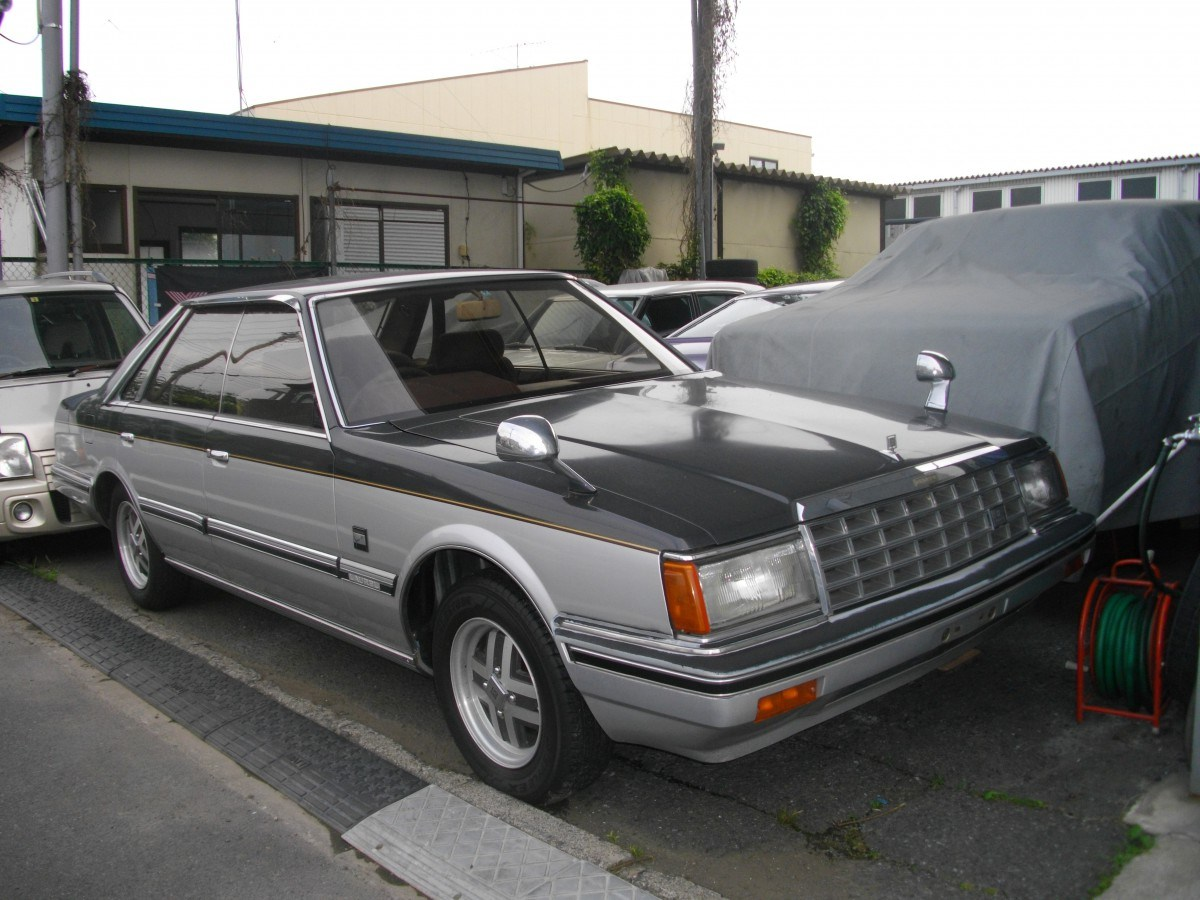 Nissan laurel photo - 10