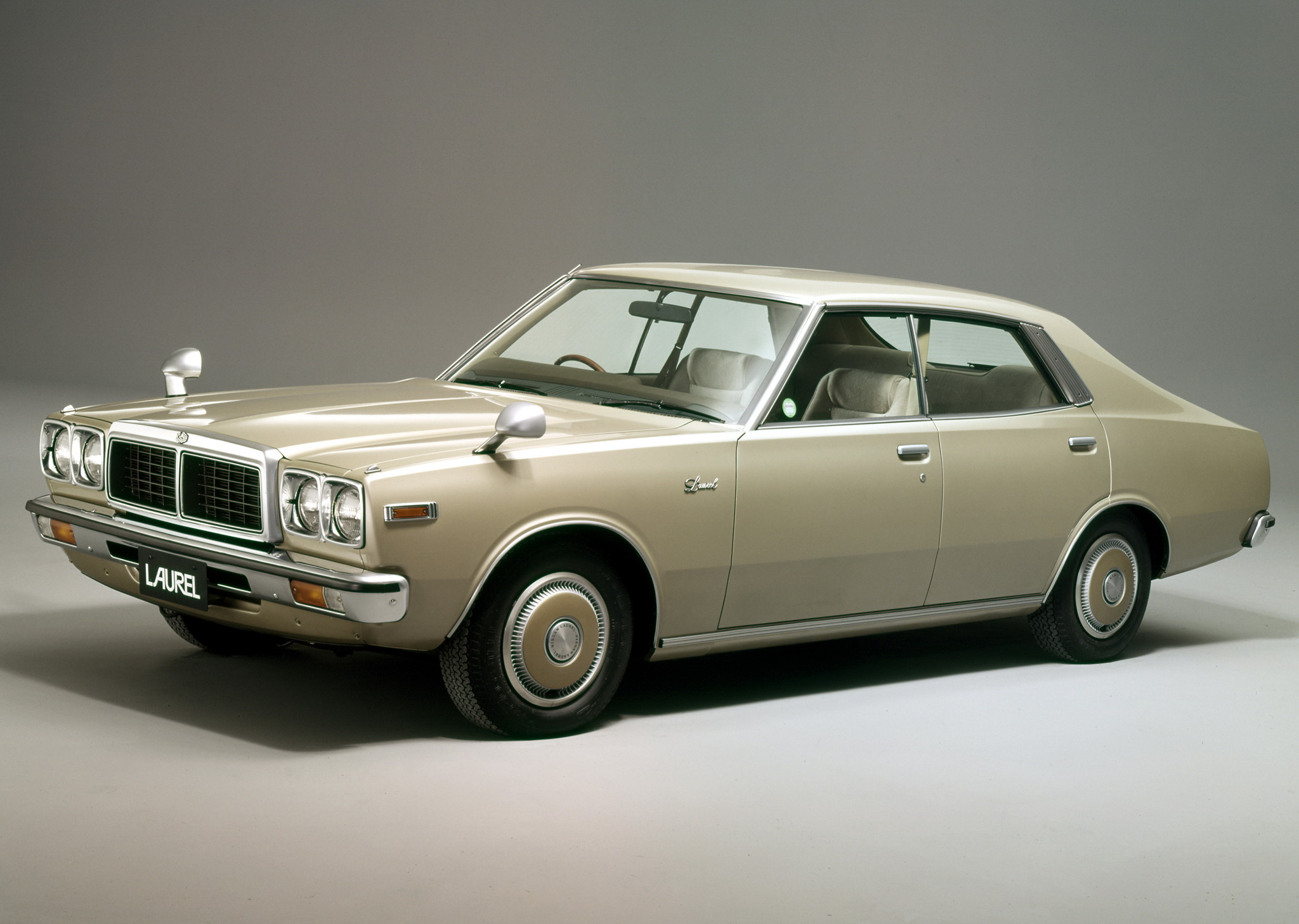 Nissan laurel photo - 4