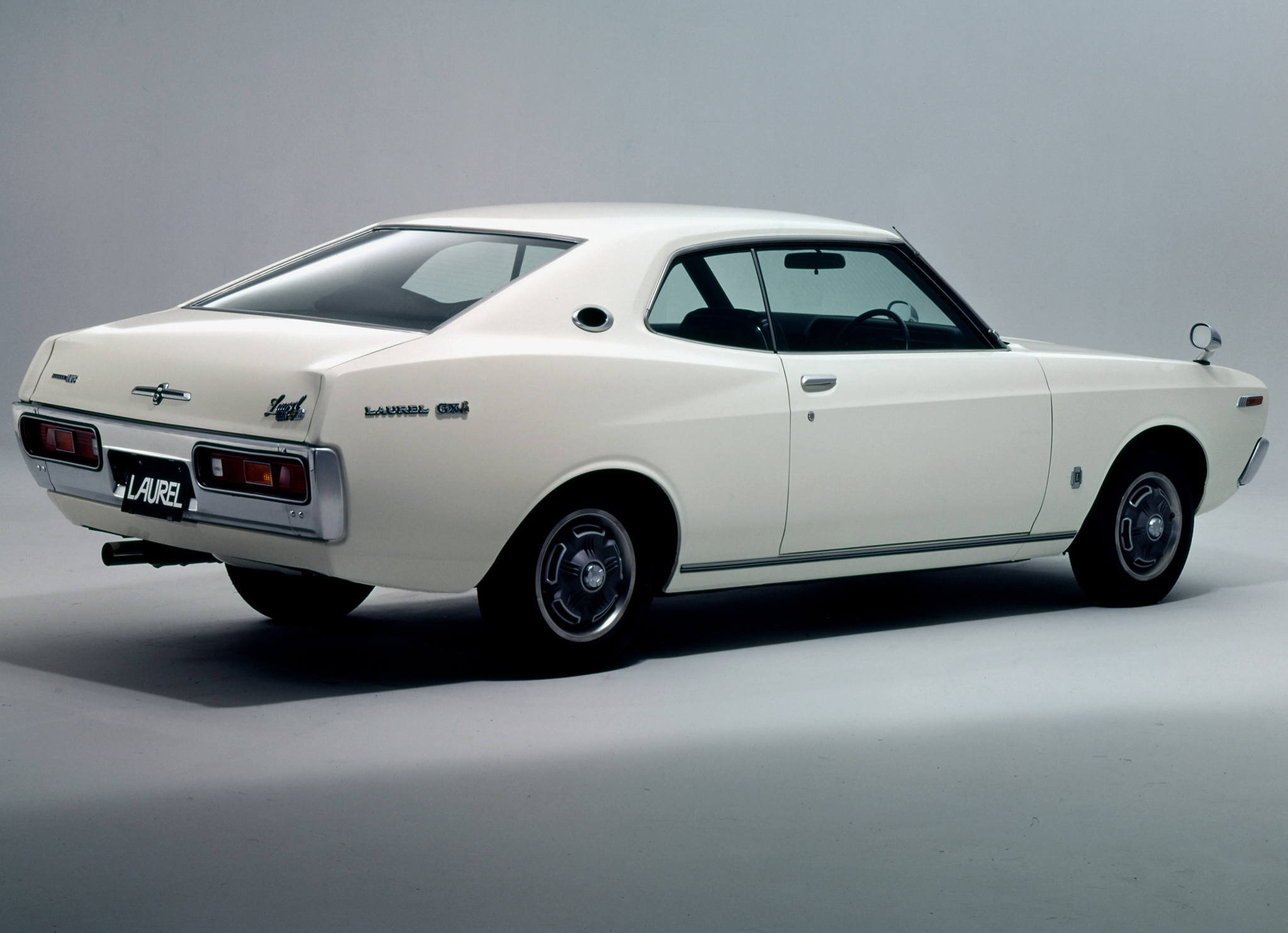 Nissan laurel photo - 6