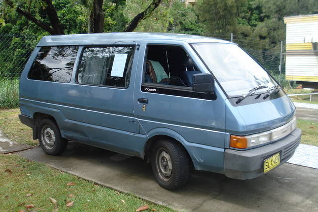 Nissan nomad photo - 1
