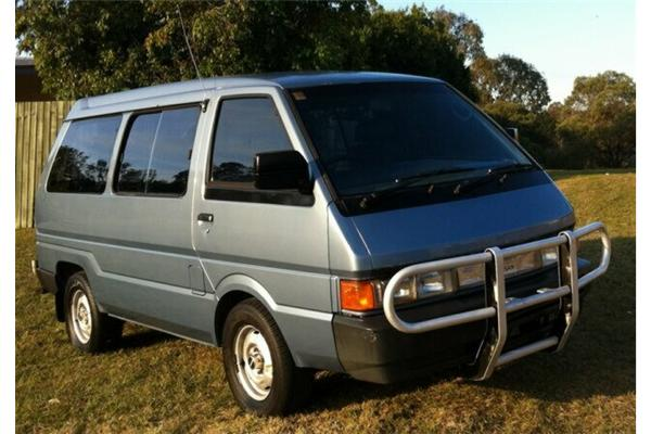 Nissan nomad photo - 4