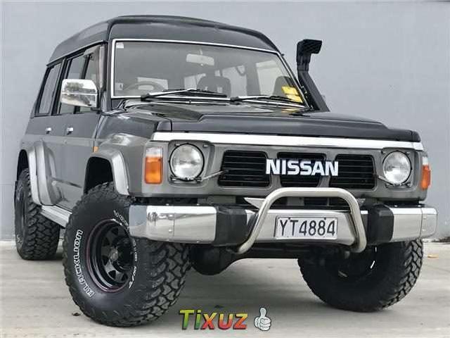 Nissan safari photo - 3