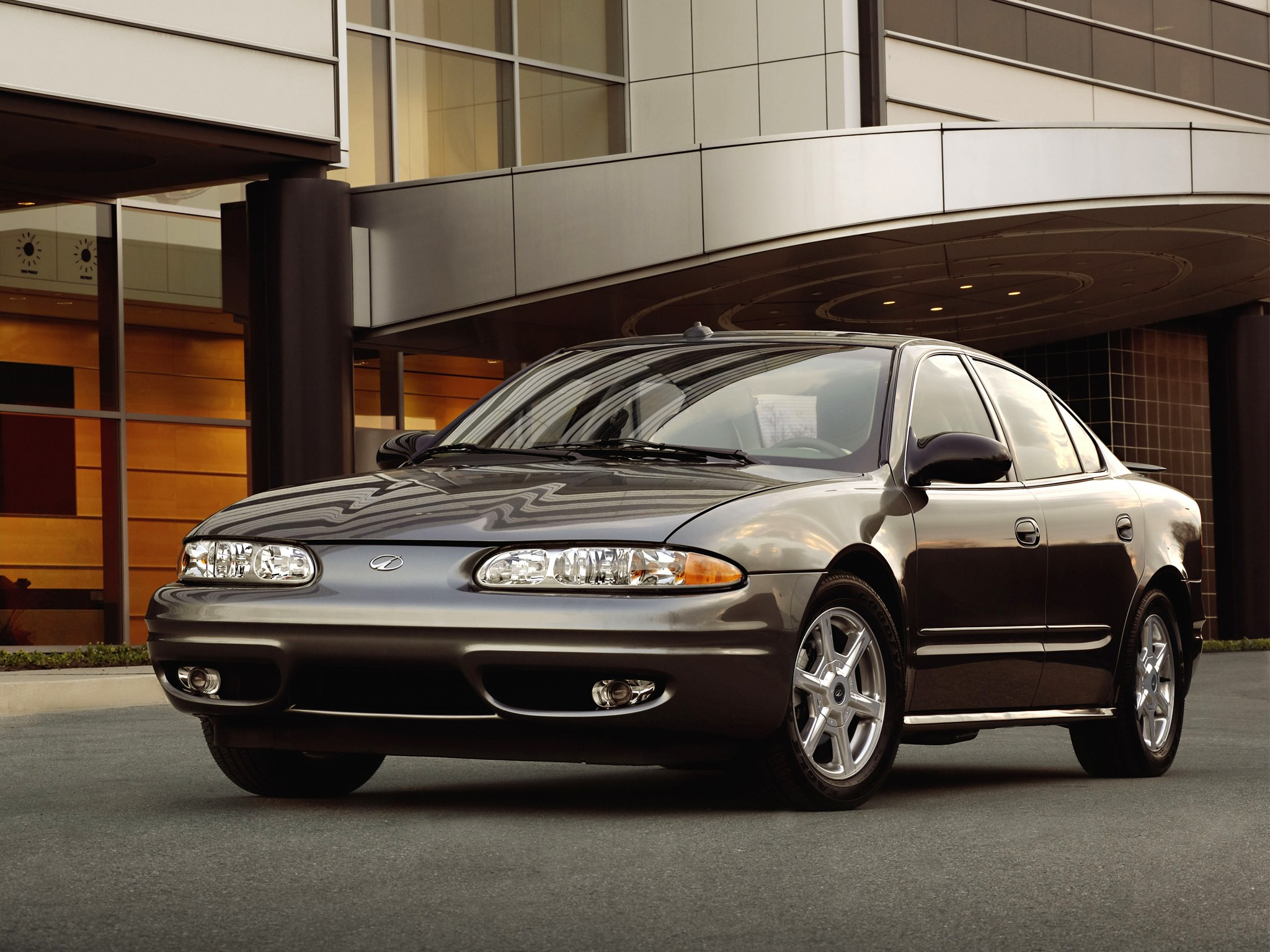 Oldsmobile alero photo - 4