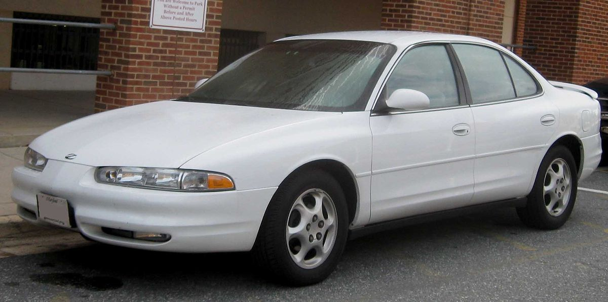 Oldsmobile intrigue photo - 3