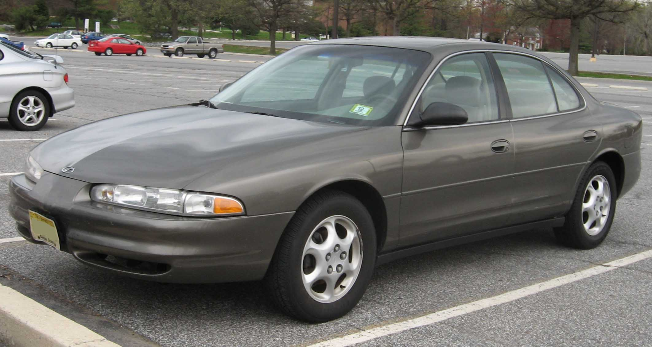 Oldsmobile intrigue photo - 5