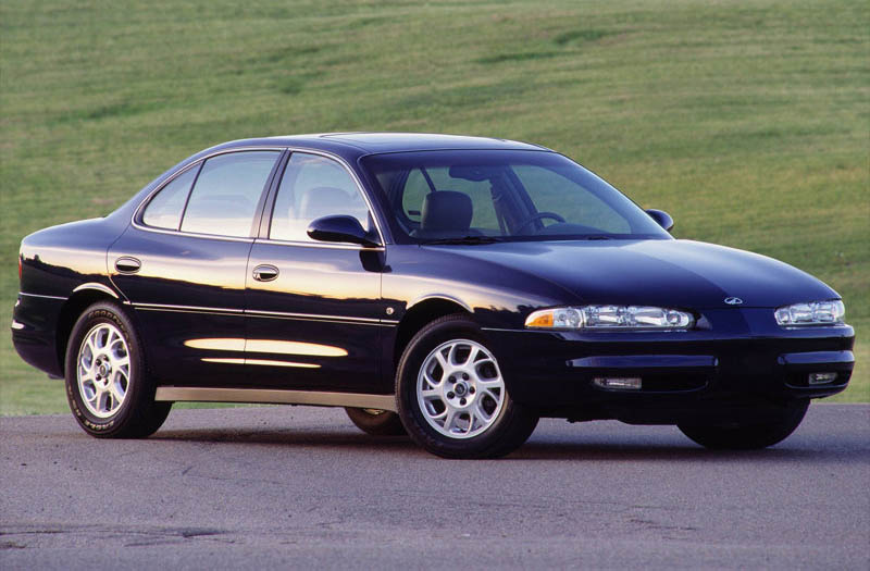 Oldsmobile intrigue photo - 8