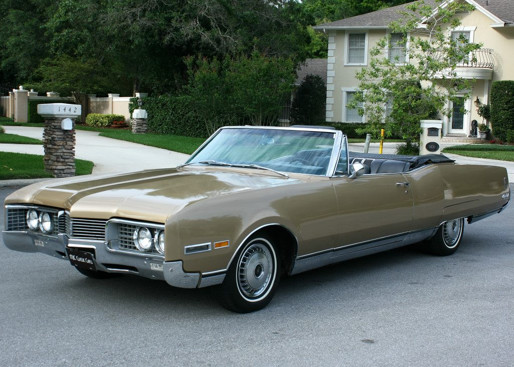 Oldsmobile ninety photo - 3