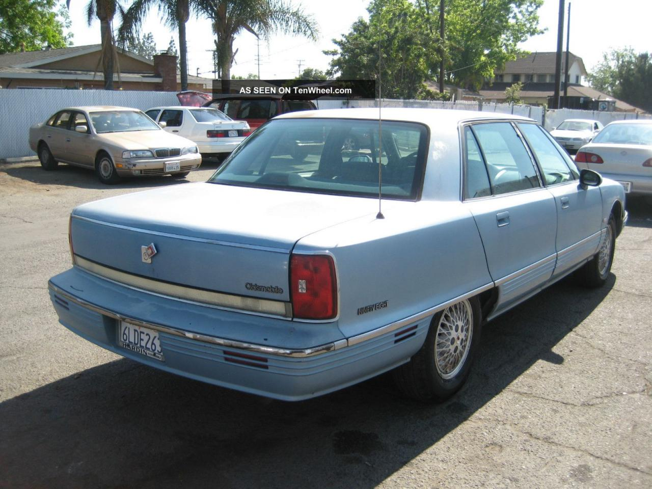 Oldsmobile ninety photo - 9