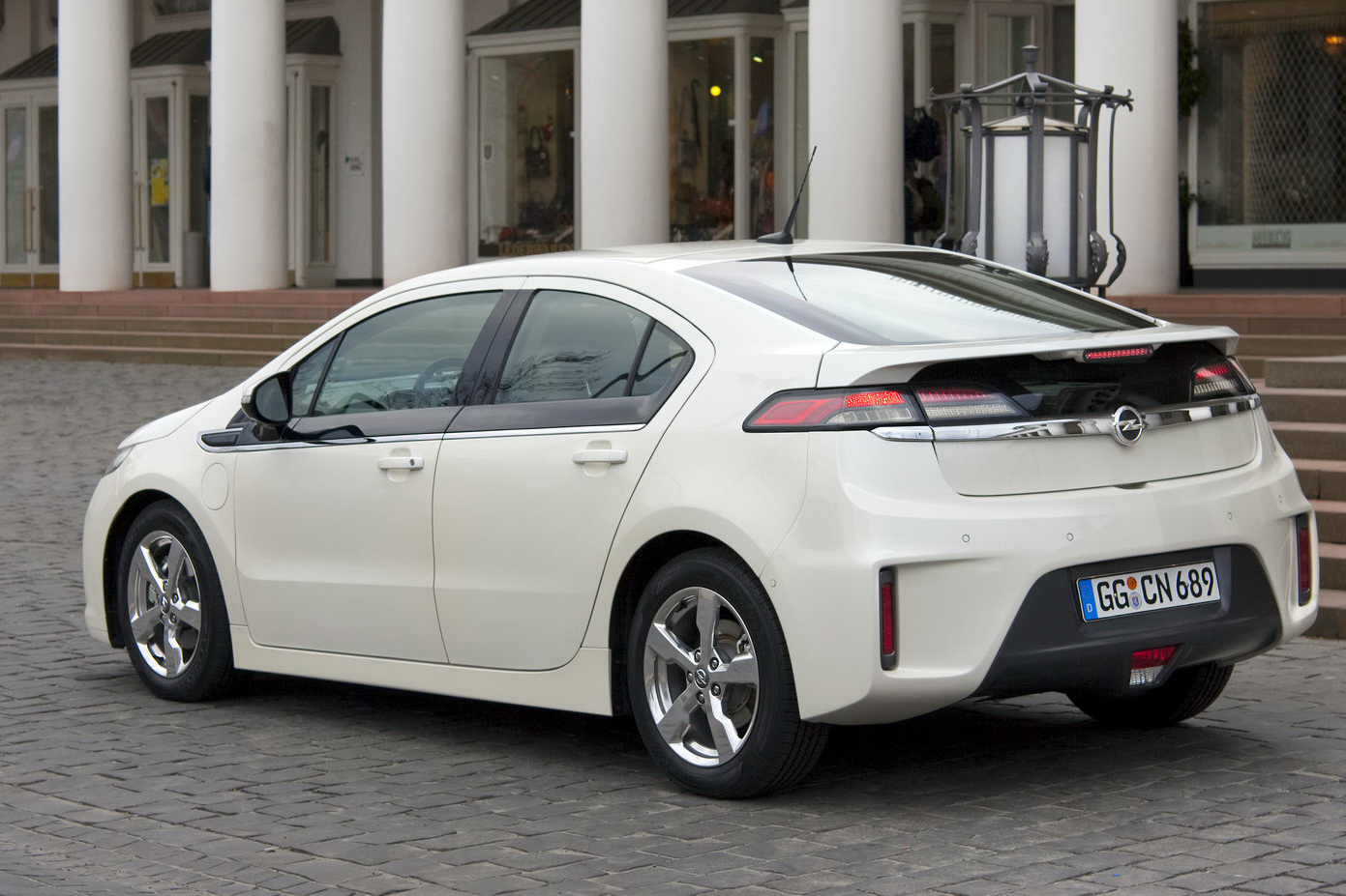 Opel ampera photo - 10