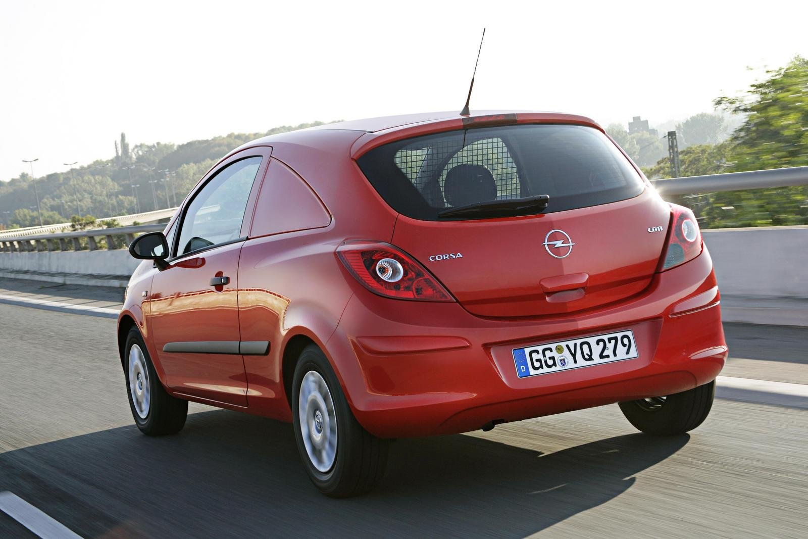 Opel corsavan photo - 4