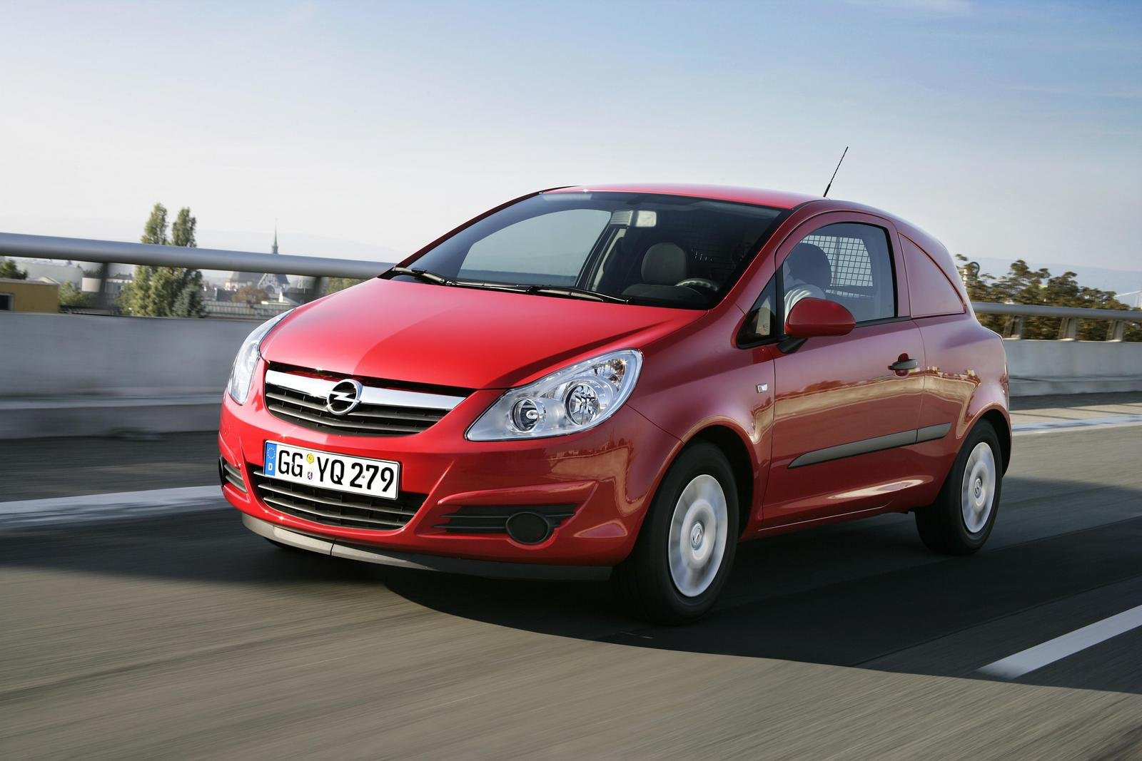 Opel corsavan photo - 6