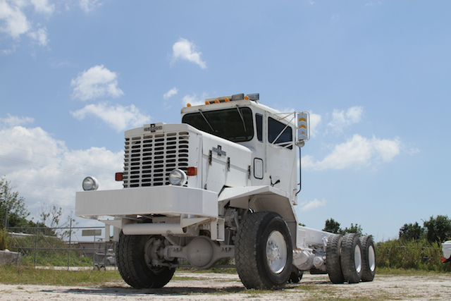 Oshkosh chassis photo - 3