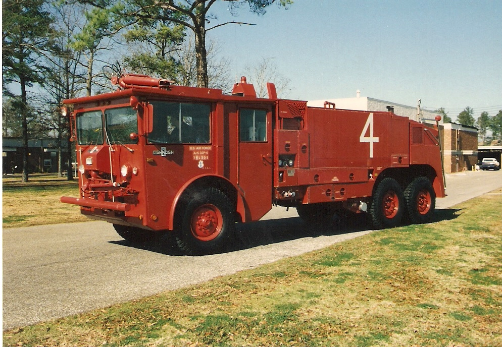 Oshkosh p-4 photo - 1