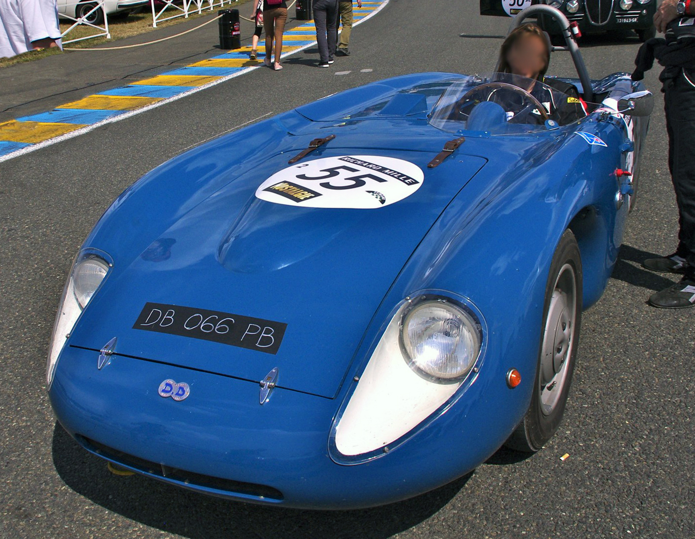 Panhard 750 photo - 5