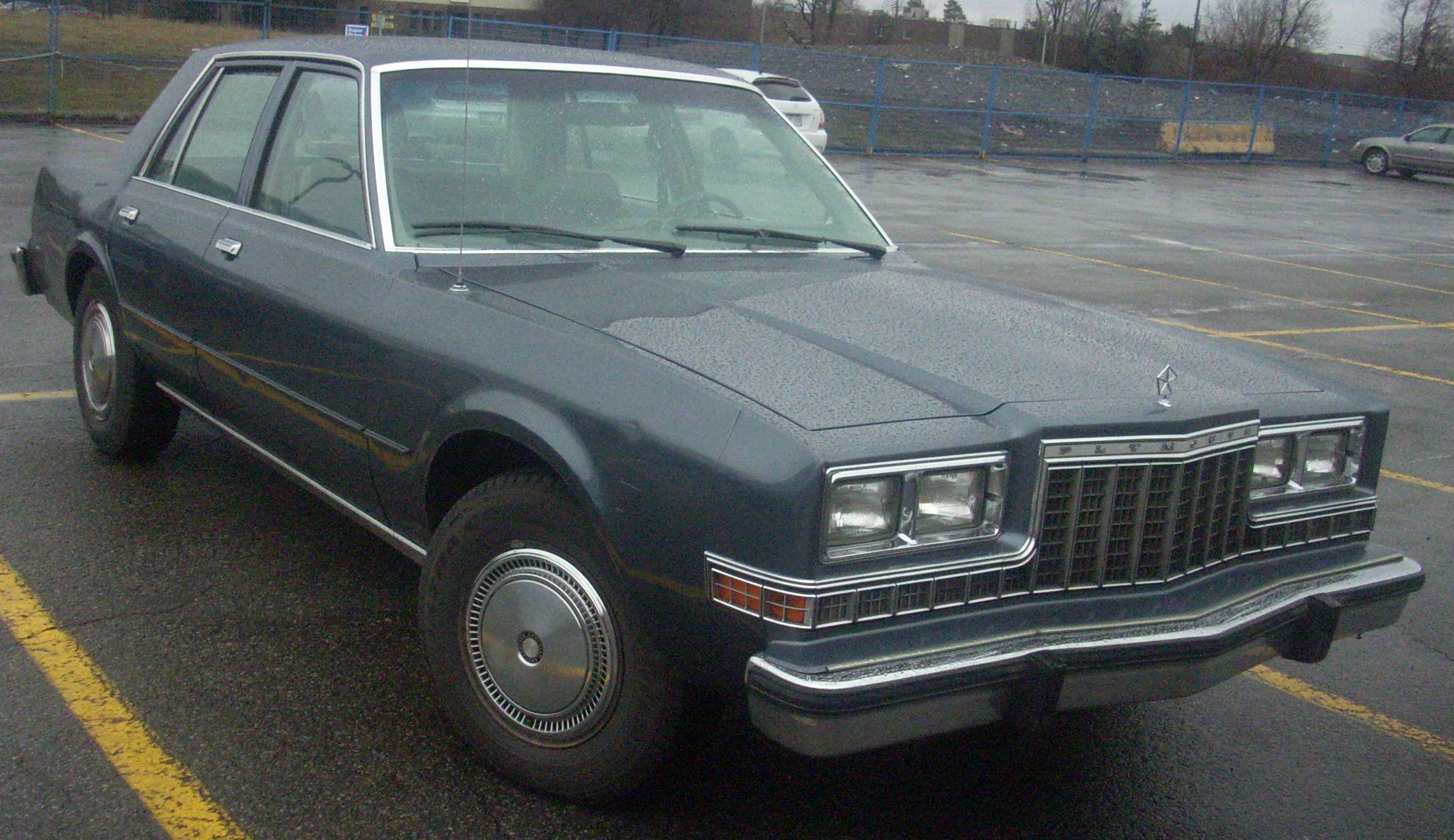 Plymouth caravelle photo - 6