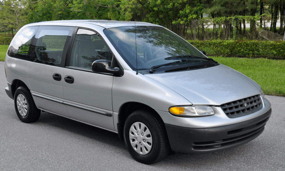 Plymouth voyager photo - 10