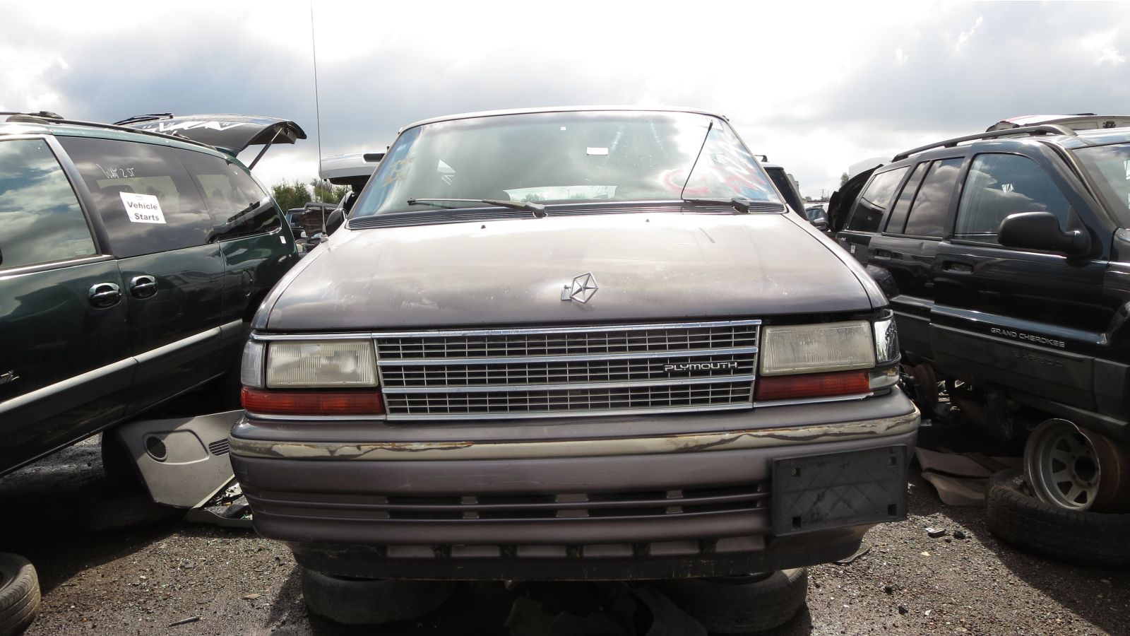 Plymouth voyager photo - 3