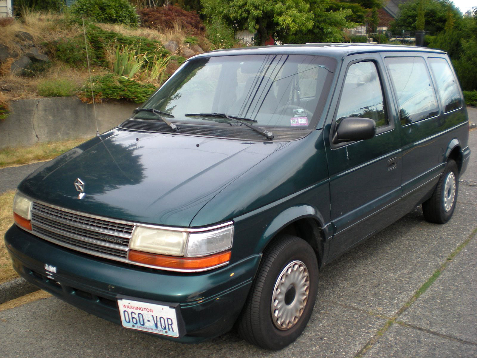 Plymouth voyager photo - 6