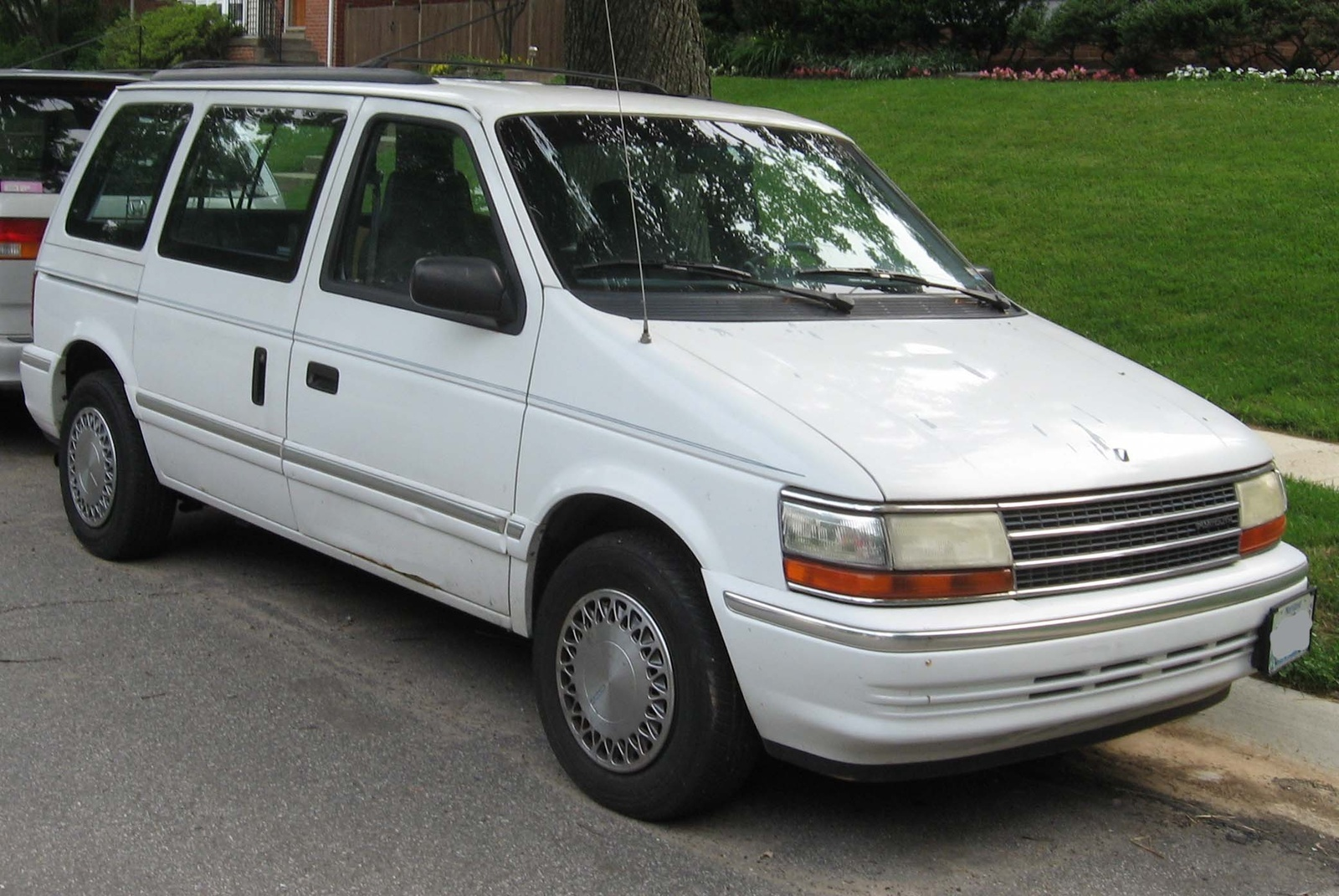 Plymouth voyager photo - 7
