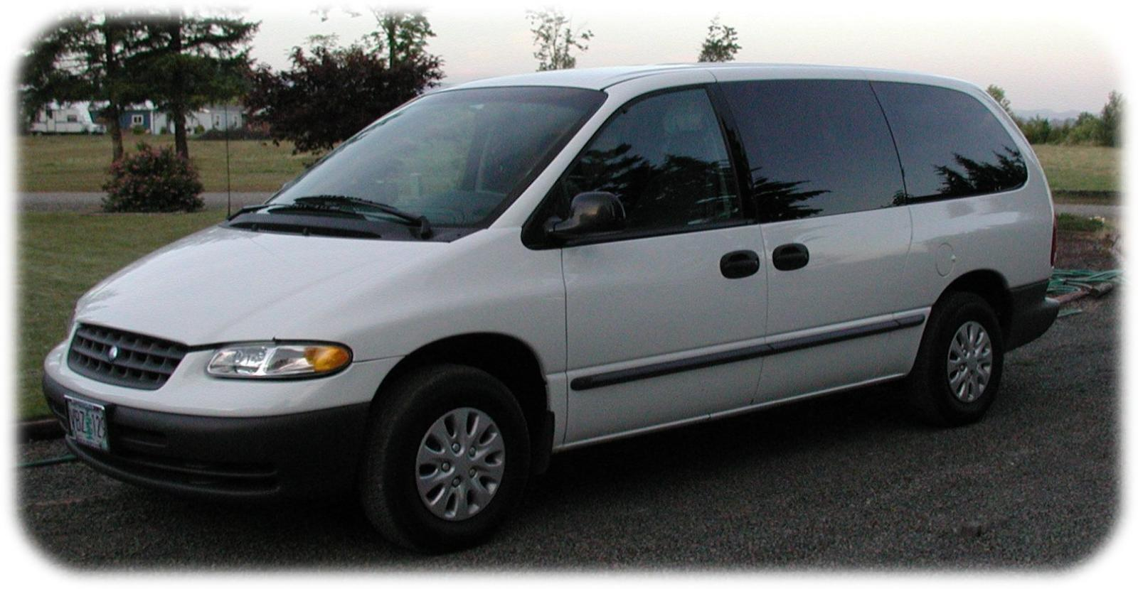 Plymouth voyager photo - 8