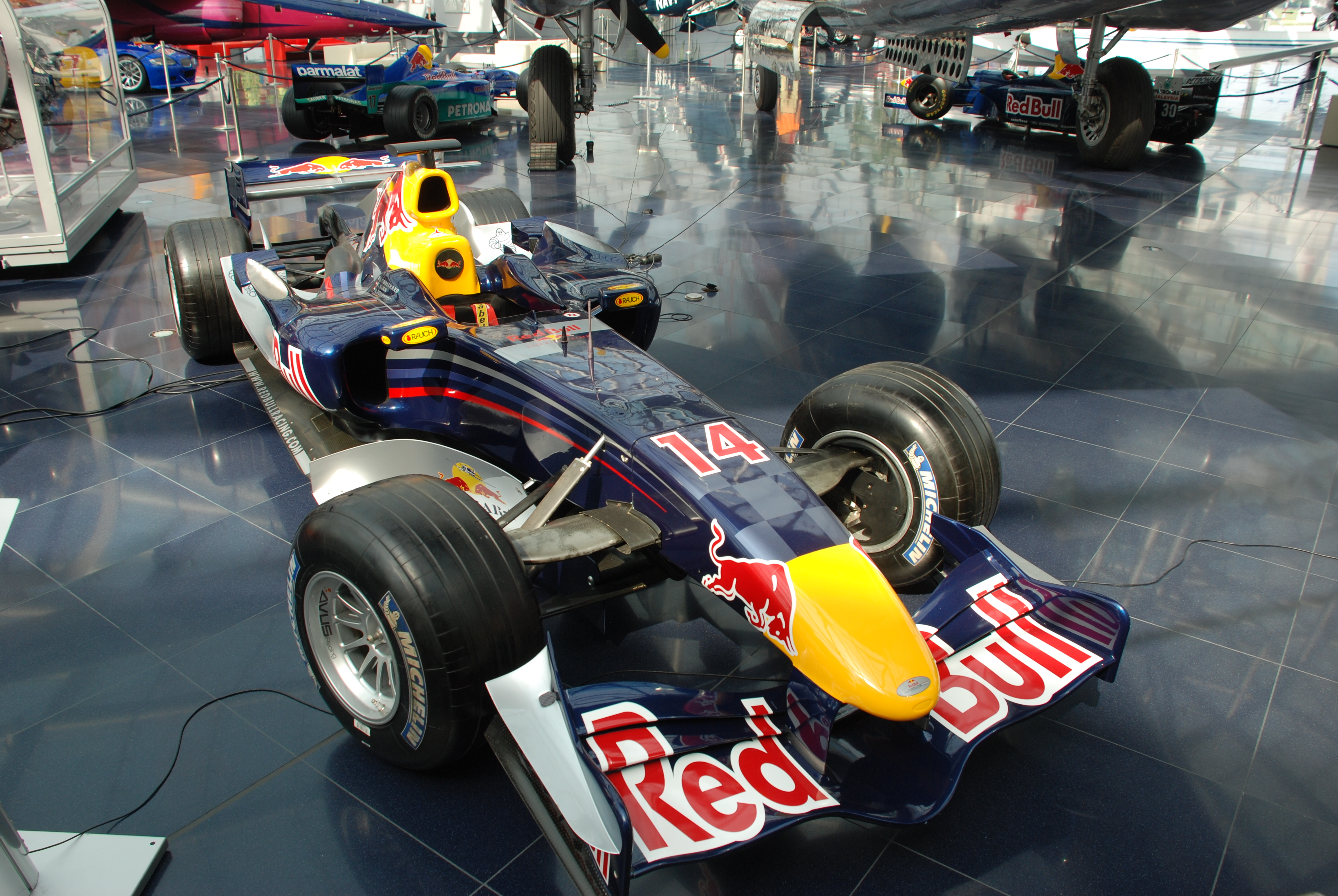 Red bull rb2 photo - 2
