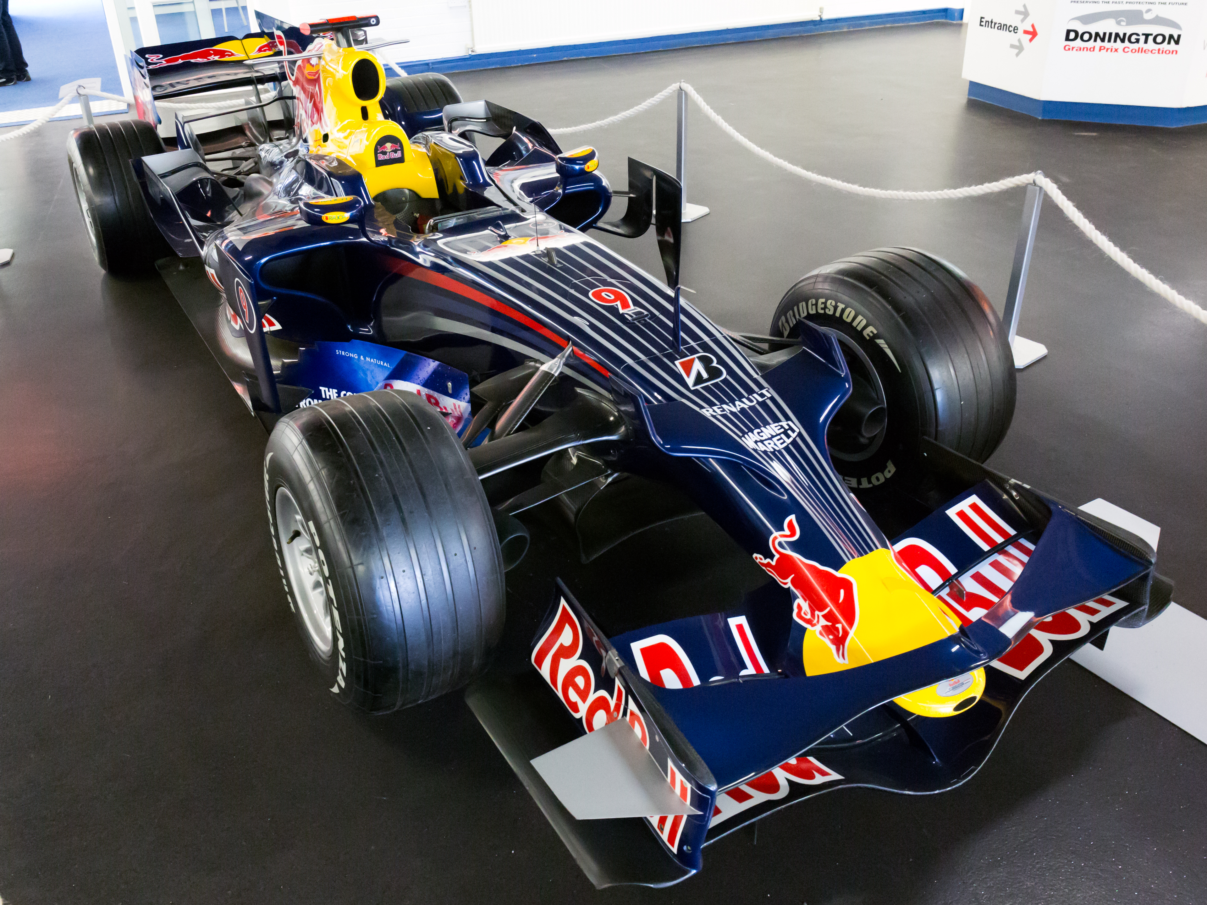 Red bull rb4 photo - 6