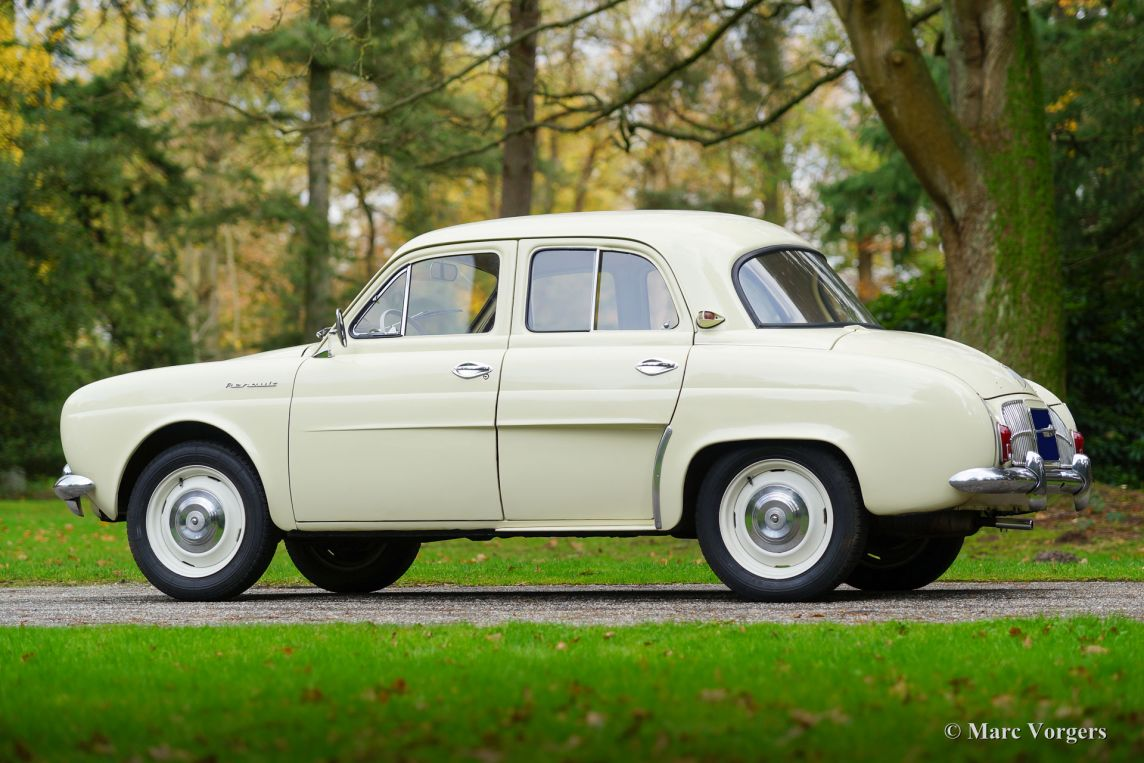 Renault dauphine photo - 2