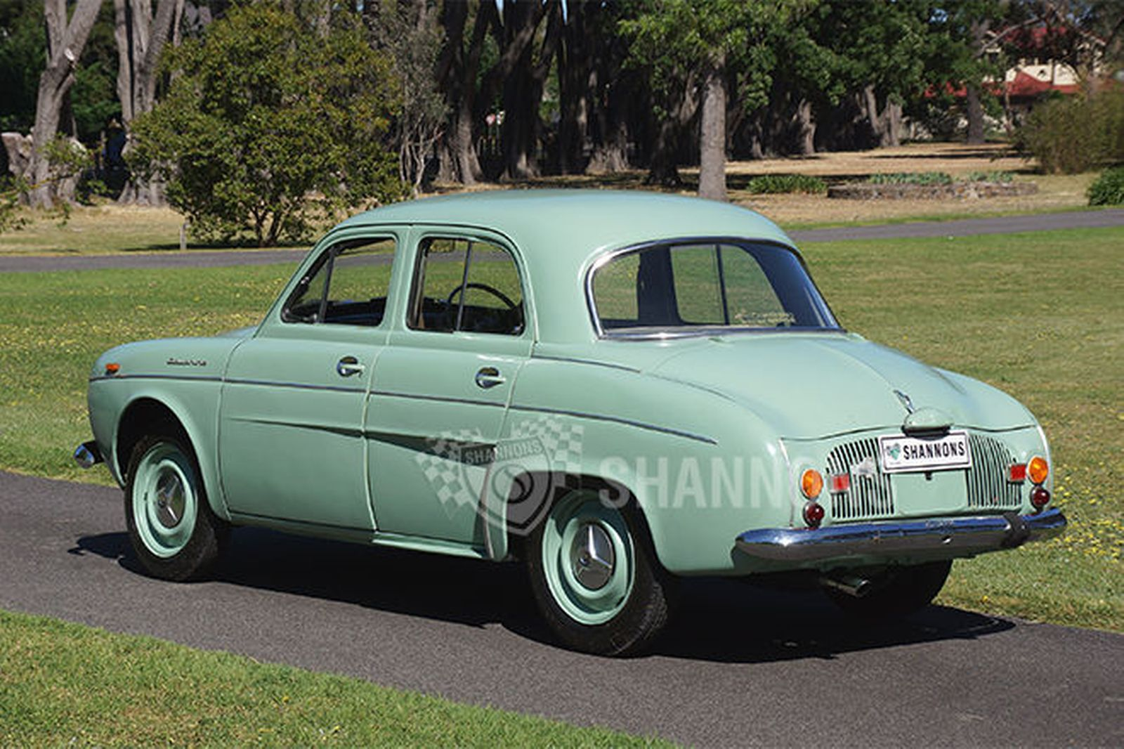 Renault dauphine photo - 6