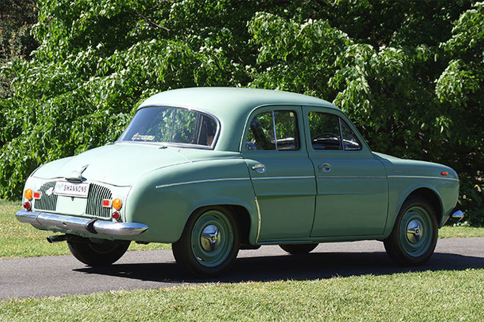 Renault dauphine photo - 7