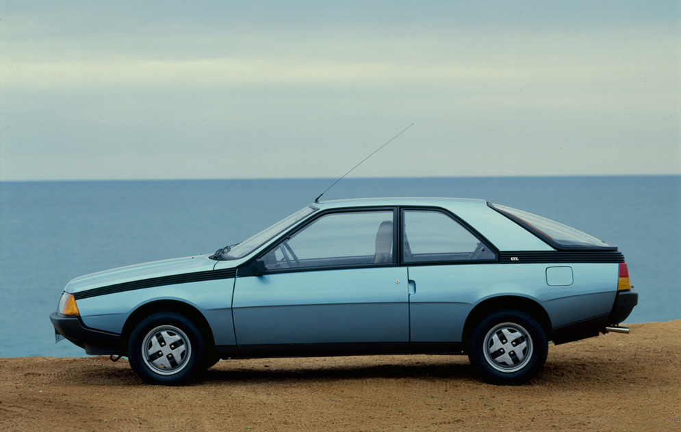 Renault fuego photo - 1